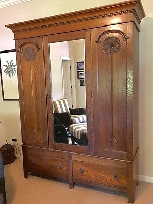 Beau Large Antique Oak Armoire/ Wardrobe In Great Condition With 2 Lower Drawers