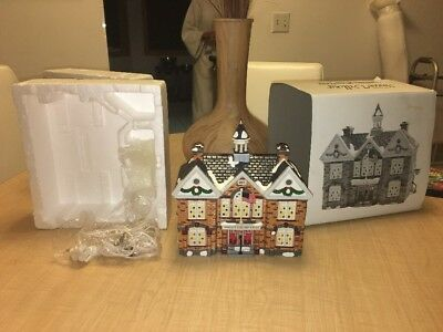 Dept 56 Snow Village CHRISTMAS LAKE HIGH SCHOOL 54881 Free Shipping