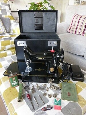Singer  221 Featherweight  Sewing  Machine Fully  Serviced & Pat Tested