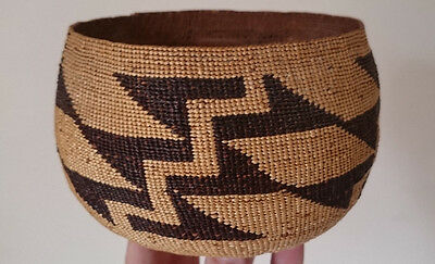 19THc ANTIQUE ORIGINAL NATIVE AMERICAN HUPA TWINED BASKET WITH PROVENANCE c.1890