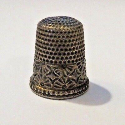 Antique Waite Thresher Co Sterling Silver Thimble #10
