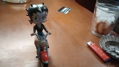 BETTY BOOP BOBBLE HEAD FIGURINE MOTORCYCLE BABE IN Blue Jean Shorts
