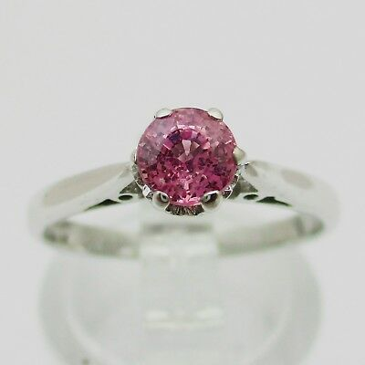 Gorgeous 18ct White Gold & Pink Sapphire Ring.  Size K