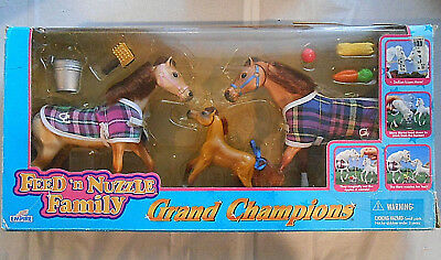 Empire Grand Champions Feed 'n Nuzzle  Stallion, Mare, Foal 1997 New Bruised Box