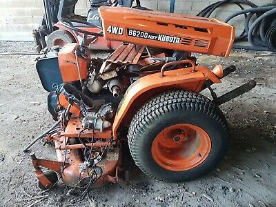 Kubota B6200 Hst 4Wd Mini Tractor With Grass Deck Salvage Repairable No Engine