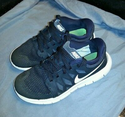 NIKE Free 5.0 Black White shoes youth size 3Y