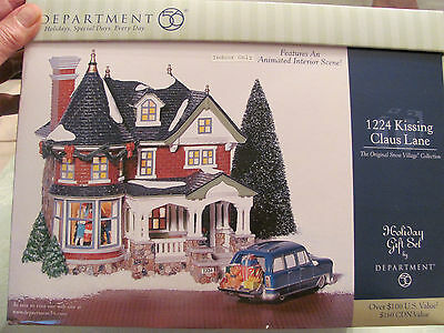 Department 56 Holiday Gift Set 1224 Kissing Claus Lane. Snow Village. Perfect.