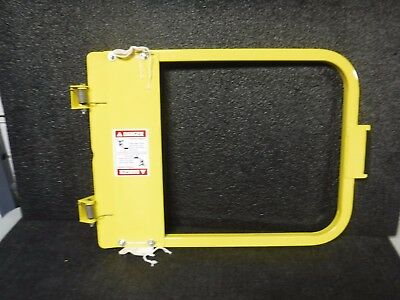 """PS DOORS Safety Gate,28-3/4"""" to 32-1"""", LSG-30-PCY,(MG)"""