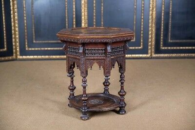 Oriental oktogonaler Table with Inlays Marrakech Um 1900