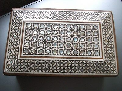 vintage MOTHER OF PEARL INLAYED WOODEN  BEAUTIFUL TRINKET BOX