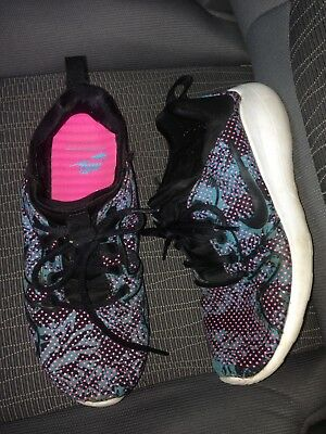 Nike Running Shoes Size 7 Pink Black Blue Workout White Womens Sneakers Tennis