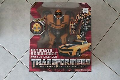 Hasbro Transformers Revenge of the Fallen Ultimate Bumblebee BATTLE CHARGED