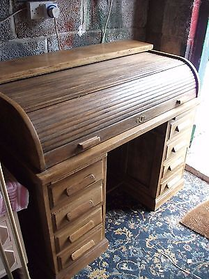 Lovely Oak roll top desk with drawers