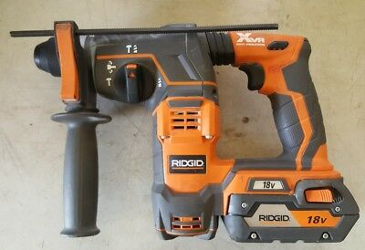 """Ridgid R86710 Cordless 18-Volt 7/8"""" Sds-Plus Rotary Hammer Tool And Battery"""