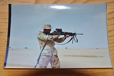 Iraqi Freedom OIF 1st Armored Photograph 5 x 7 Looking through optic on the SAW