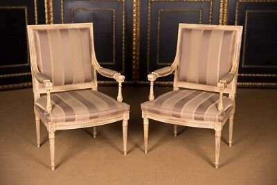 2 Beautiful Elegante French Chair in the Louis XVI Style