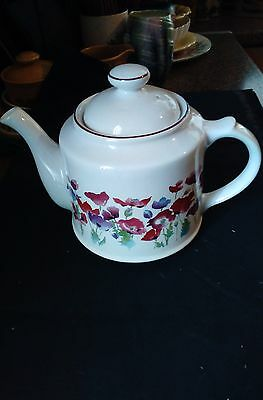 Wade Poppy Teapot Large 3 Pint Size Very Clean  Floral Poppy Poppies