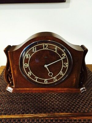 Vintage Mantle Clock. Metamec Electric Oak Cased . C-  1940s
