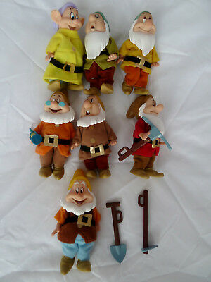 """Disney Snow White and the Seven Dwarfs  Toy Figure Set with Accessories 4"""" tall"""