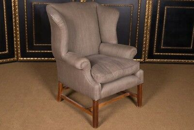 Original English Chesterfield Chair with High-Quality Linen Fabric
