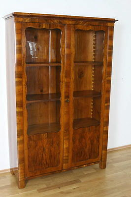 b cherschrank vitrine um 1860 kiefernholz mit. Black Bedroom Furniture Sets. Home Design Ideas