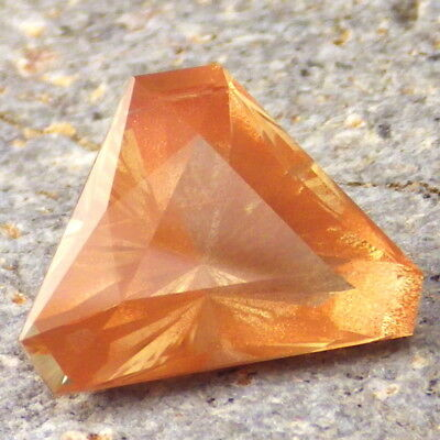 YELLOW-PEACH SCHILLER OREGON SUNSTONE 9.40Ct FLAWLESS-PERFECT FOR JEWELRY!