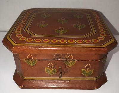 Antique Hand Carved Hand Painted Primitive Folk Art Hinged Wood Box Tulips