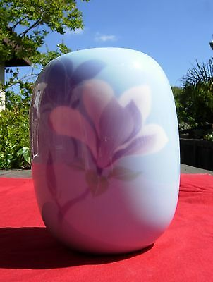 Vintage old Japanese Japan Fukagawa Porcelain Vase SIGNED Mt Fuji
