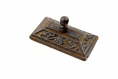 Beautiful Antique Hand Crafted Collectible Decorative Iron Paper Weight. i56-10
