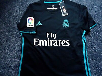 Real Madrid Football Shirt New With Tags Size Medium...benzema 9