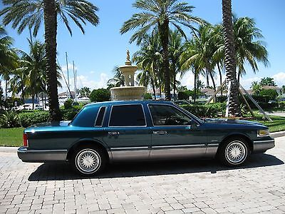 """1997 Lincoln Town Car SIGNATURE 1997 LINCOLN TC-SIGNATURE-TOUR EDT-1-OWNER-48K""""NEVADA GARAGED"""" NO RUST! CARFAX!!"""