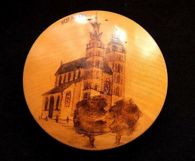 A Vintage Powder Compact Souvenir from Krarow, Poland  in Mauchline Ware Style.