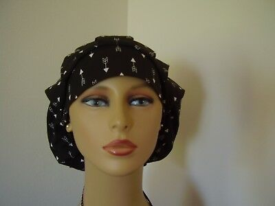 Bouffant/Ponytail Combo Scrub Hat- Black with White Arrows - One Size
