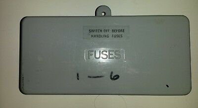 Used BS3036 Wylex 6 way fuse cover.