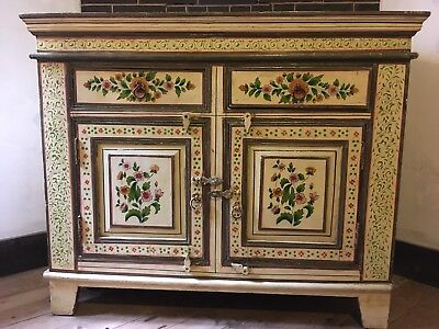 Buffet sideboard cabinet vintage shabby chic handpainted