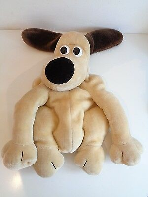 WALLACE & GROMIT - GROMIT HOT WATER BOTTLE COVER/PYJAMA CASE by BOOTS