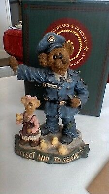 Boyds Bears resin sculpture, Sgt. O'Beara with Ali & Friends... Everyday Hero