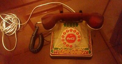 2001 Coca Cola Tiffany Style Stained Plastic Look Desk Telephone Lites Up