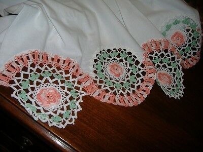 FANCY VINTAGE Q CROCHET ROSES PILLOW CASES minty