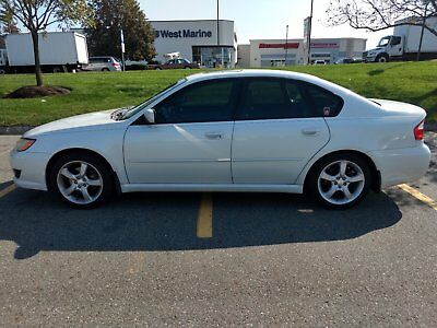 2008 Subaru Legacy 2.5i 2008 Subaru Legacy 2.5i 148000 Miles White Manual Sedan
