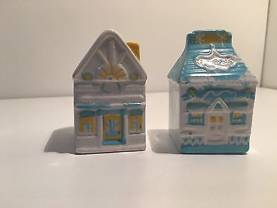 Retro Vintage Collectable Houses Blue Yellow White Salt Pepper Shakers Beach
