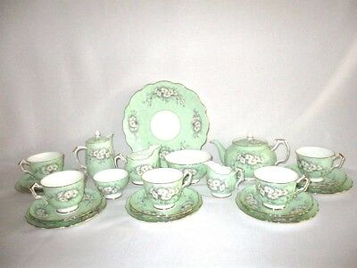 Aynsley Soft Green Floral 22piece Tea Set with Matching Teapot & Water Jug