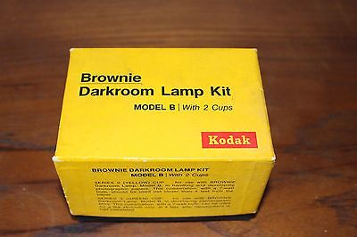 Vintage Kodak Brownie Darkroom Lamp Kit Model B with 2 Cups  Yellow and Green