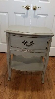 Antique French Provincial Furniture Gray Chalk Painted Nightstand/ Side Table