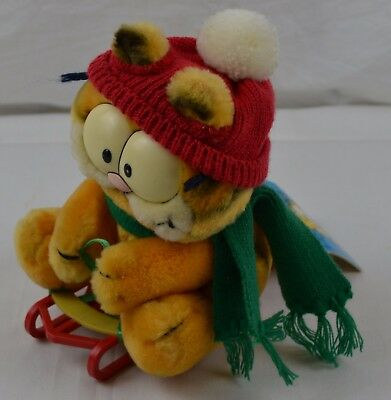 Vintage 1978 Garfield Takes the Mountain Cuddly Soft Toy Teddy Sledge Christmas