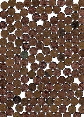England: Lot of 450 Small One Penny Coins, Various Dates