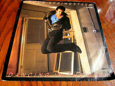 Bruce Springsteen ‎– Dancing In The Dark : CBS ‎– CBSA 4436 : 1984