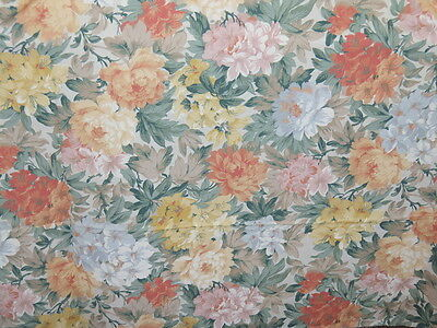 VINTAGE MARKS AND SPENCER LIGHTWEIGHT FLORAL FABRIC 11.5 METRES x 2.3 METRES