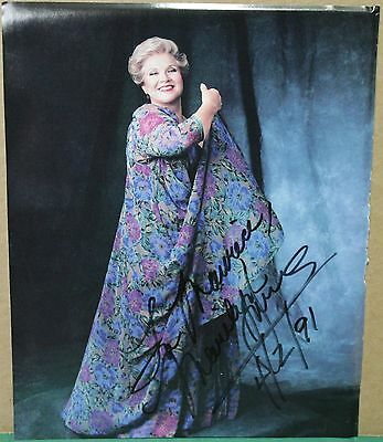 Authentic Autographed Magazine Photo - American Opera Singer Marilyn Horne