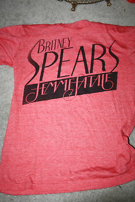Britney Spears Femme Fatale  concert Tour T-Shirt M 2001 dates pink/red